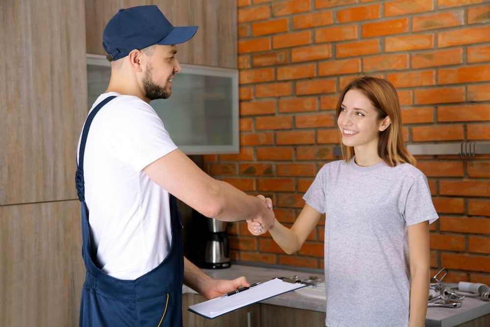 confier-renovation-cuisine-entrepreneur-specialise